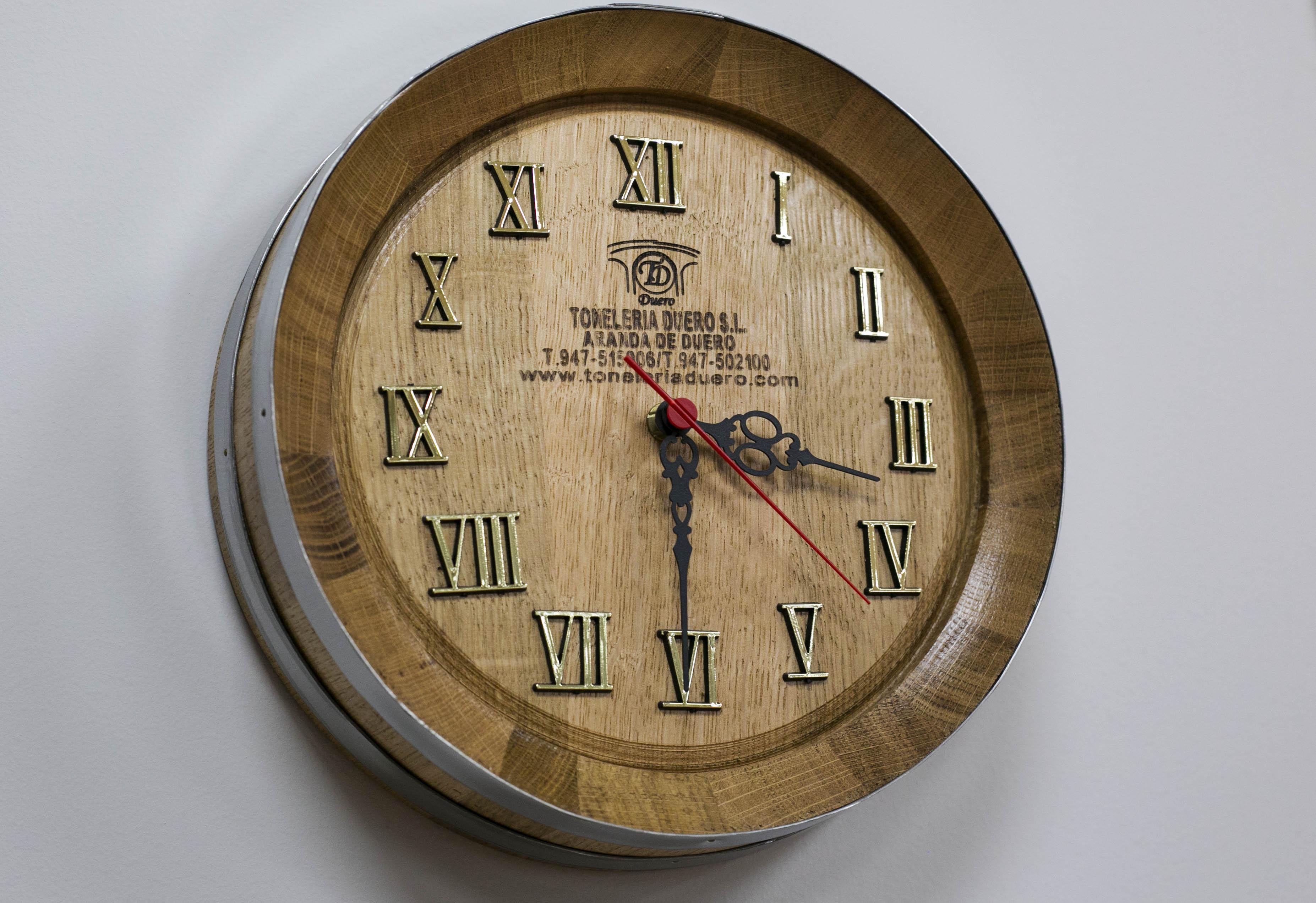 Reloj en números romanos.